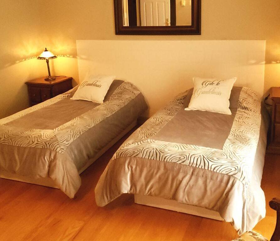 chambre le gite Legrandelinois lit double